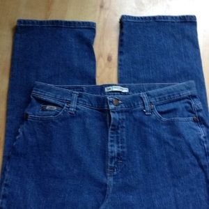Lee relaxed straight leg Size 12 L